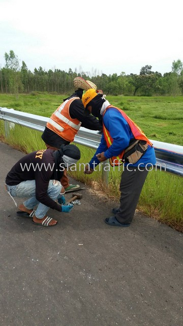 w-beam guard rails ทางหลวงหมายเลข 2436