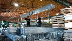 โรงงานผลิตการ์ดเรล ติดตั้งที่การ์ดเรล อำเภอเมือง จังหวัดชัยนาท ความยาวรวม 172 เมตร